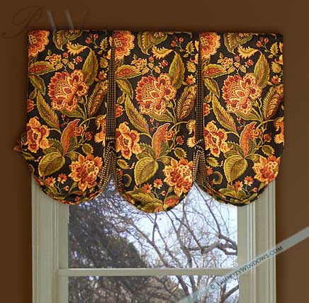 Box Pleated Balloon Valance in Black and Jacobean Floral Print