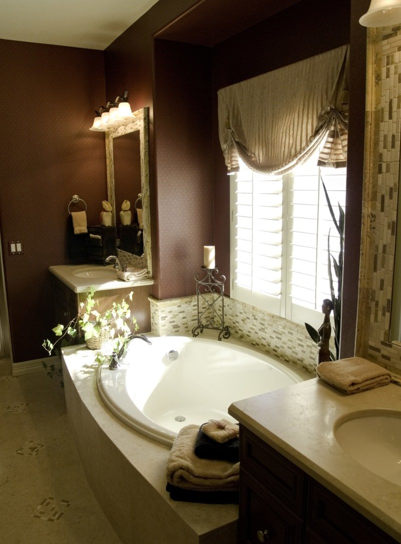 13 Ideas For Bathroom Window Treatments Over Bathtubs Pwv