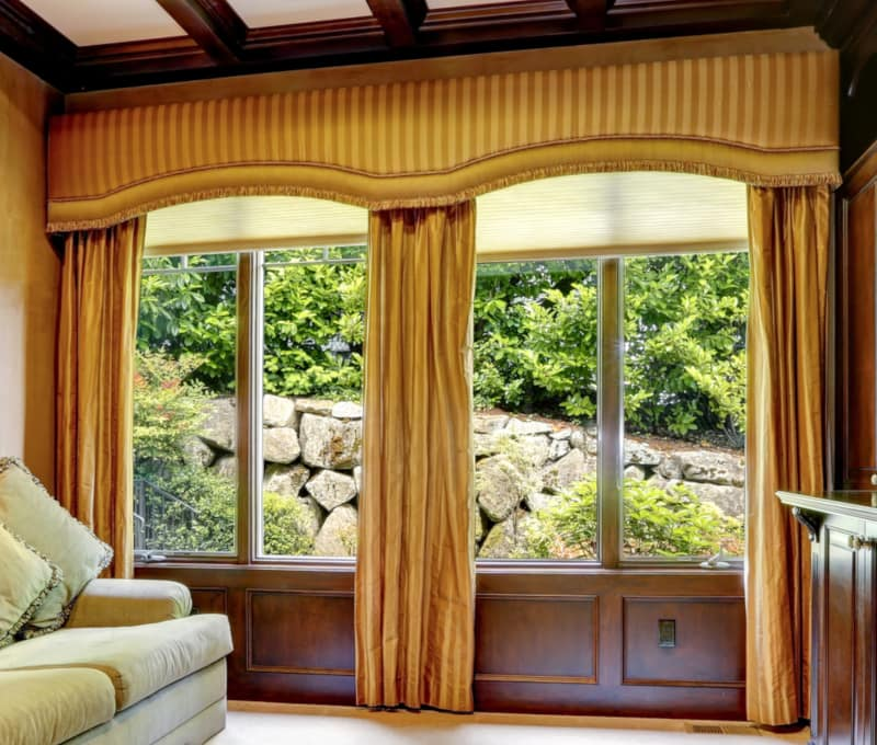 Gold Stripe Window Cornice in Arched Shape
