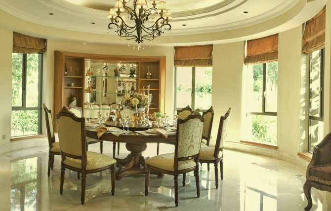 Window Treatments in Round Room