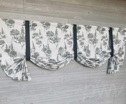 Garden (Traditional Monochromatic Florals) Tailed Balloon Valance